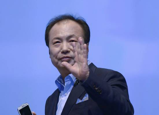 JK Shin, president and head of Samsung's mobile division, presents Samsung Electronics' new Samsung Galaxy SIII smartphone in London