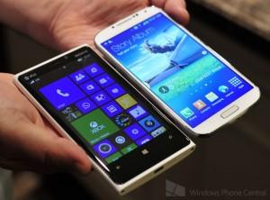 Nokia Lumia 920 Galaxy s4 hands