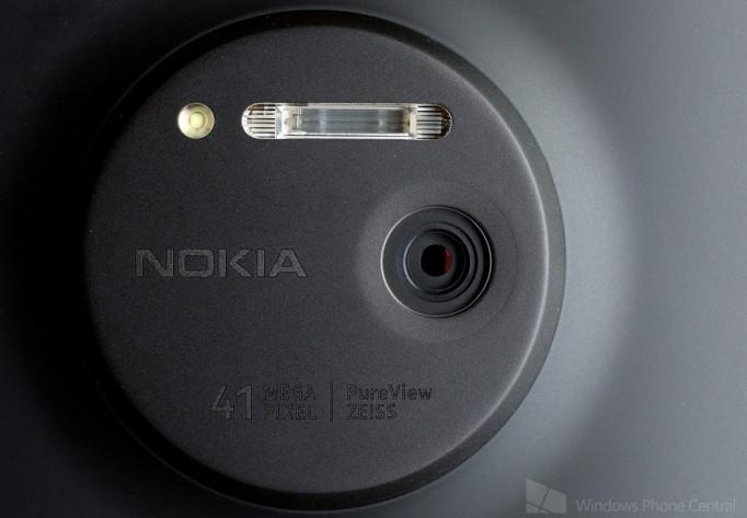 Lumia_1020_Camera_Overhead_0