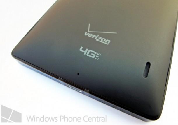 Verizon_Lumia_929_rear_bottom_cleaned