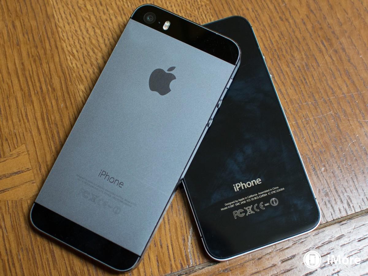 iphone-5s-iphone-4s-back-hero