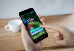 vine-micro-video-app-smart-phone-ios-android
